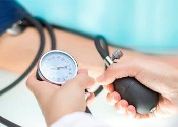 Imate visok krvni pritisak ? Evo kako možete pomoći sebi