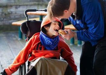 Šta je to cerebralna paraliza i šta je uzrokuje kod djece ?