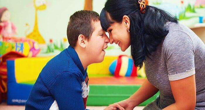 Autizam – kako prepoznati na vrijeme i pomoći djetetu