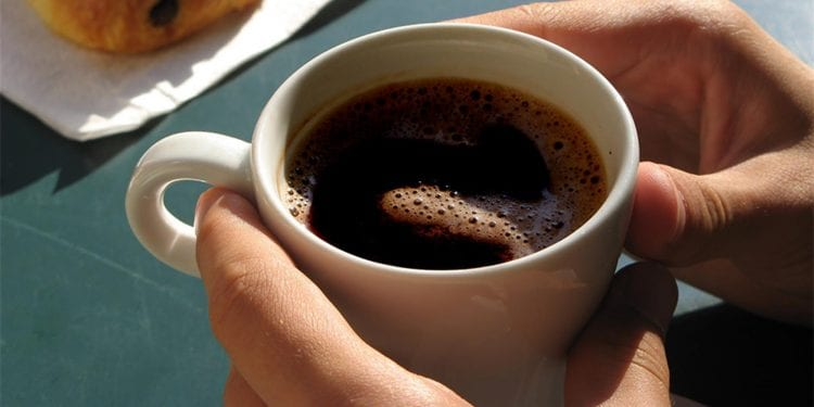 Tri šoljice kafe dnevno smanjuju rizik do demencije