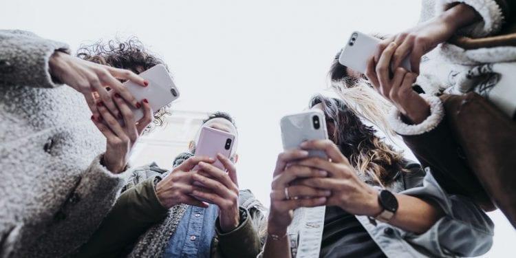 Prekomjerna upotreba društvenih mreža narušava mentalno zdravlje